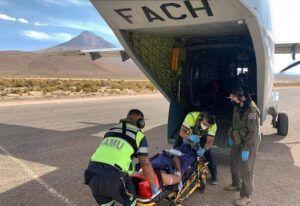 Niño baleado en la frontera es trasladado por la FACH  a Iquique