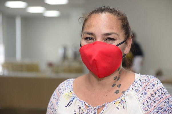 Yanka Pierola, participante del programa y costurera de caleta Caramucho.