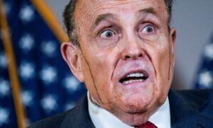 En vivo y en directo | La tintura del pelo de abogado de Trump, Rudy Giuliani se derrite y marca las mejillas