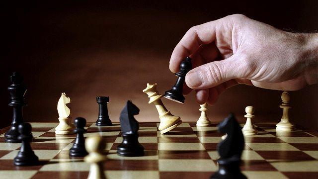 ¡Las Piezas del Ajedrez por el Mandato Presidencial! (Columna de Nelson Mondaca)
