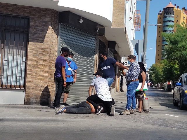 Detención ciudadana | Pato malo fuera de forma había asaltado a vecina