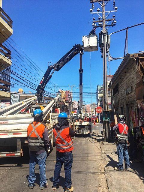 CGE: más de 520 mil clientes han sufrido interrupciones de suministro eléctrico por postes chocados en primer trimestre de 2021