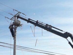 Trabajos de mantención eléctrica en El Boro de Alto Hospicio