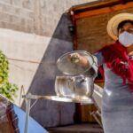 Emprendedora gastronómica de Pica utiliza la energía solar para potenciar su oferta culinaria ancestral