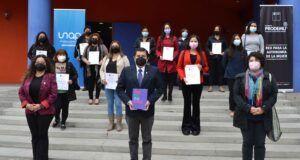 PRODEMU y UNAP suscriben convenio colaborativo en beneficio de las mujeres de Tarapacá