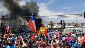 ONU condena ataques incendiarios a un grupo de migrantes en Iquique