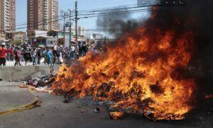 Por instrucción de la Fiscalía la PDI investiga quema de enseres de migrantes  que acampaban en Las Rosas con Luis Emilio Recabarren