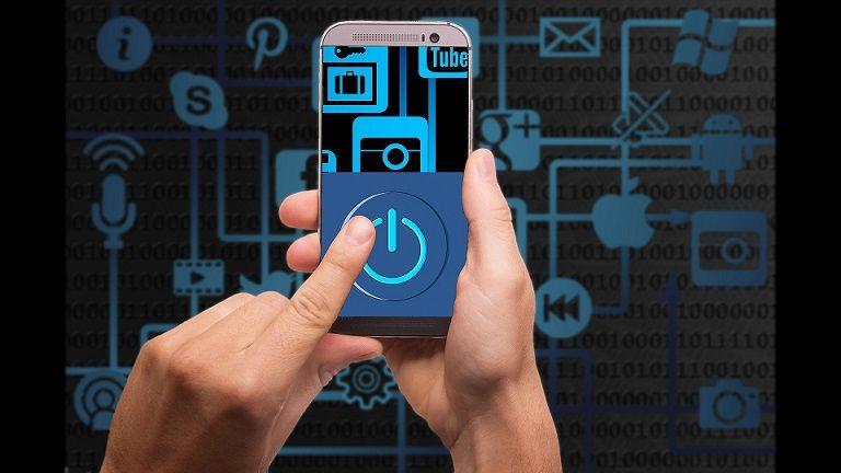 Día Mundial del Ahorro de Energía | Cómo ahorrar la batería de tu celular o computador portátil